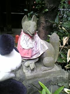 花園稲荷神社のお稲荷さんII