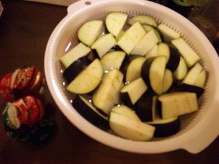 シシ・マイが作る炊飯器パスタ2