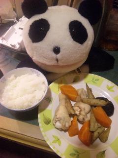 鶏手羽元としいたけ、根菜の煮物