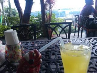 沖縄日記坂の途中の喫茶店